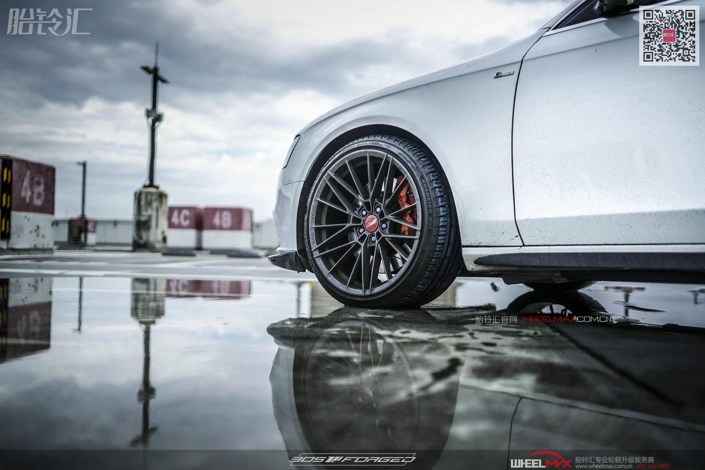 奥迪A4安装美国高性能旋压305轮毂FT115