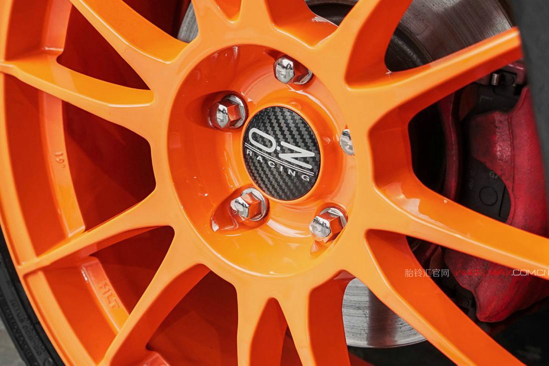 大众高尔夫第7代GTI安装意大利OZ轮毂 Ultraleggera