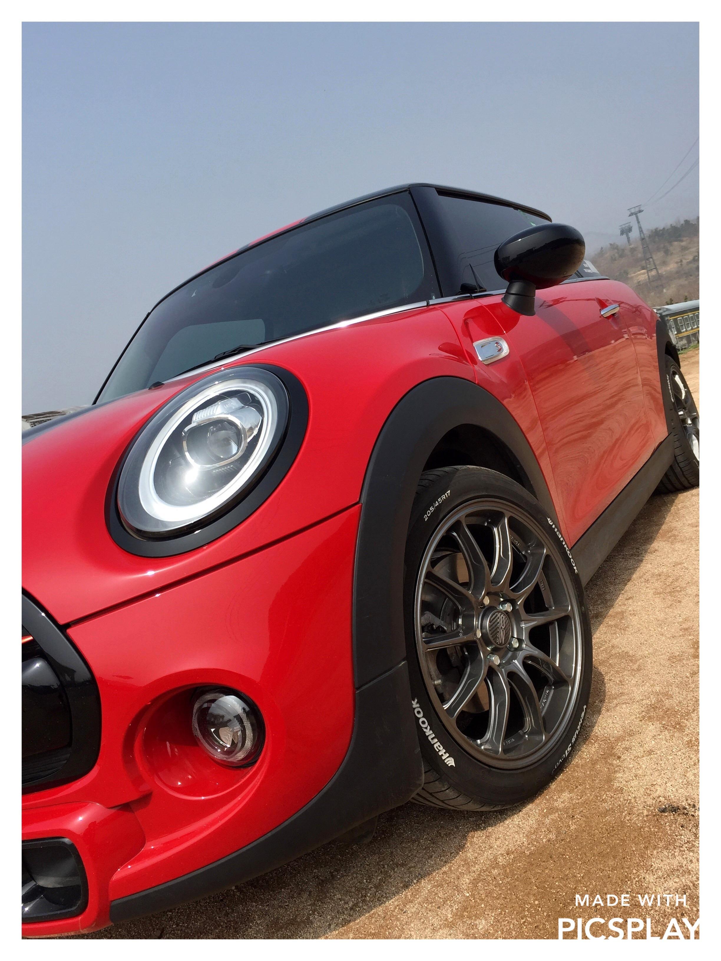 MINI F56安装意大利高品质旋压OZ HYPER GT HLT轮毂