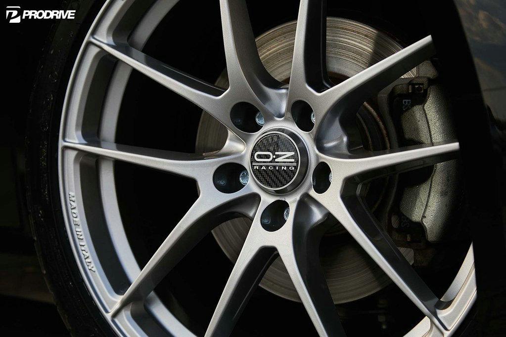 奥迪TTAN安装 意大利OZ LEGGERA HLT新款运动轻量化轮毂