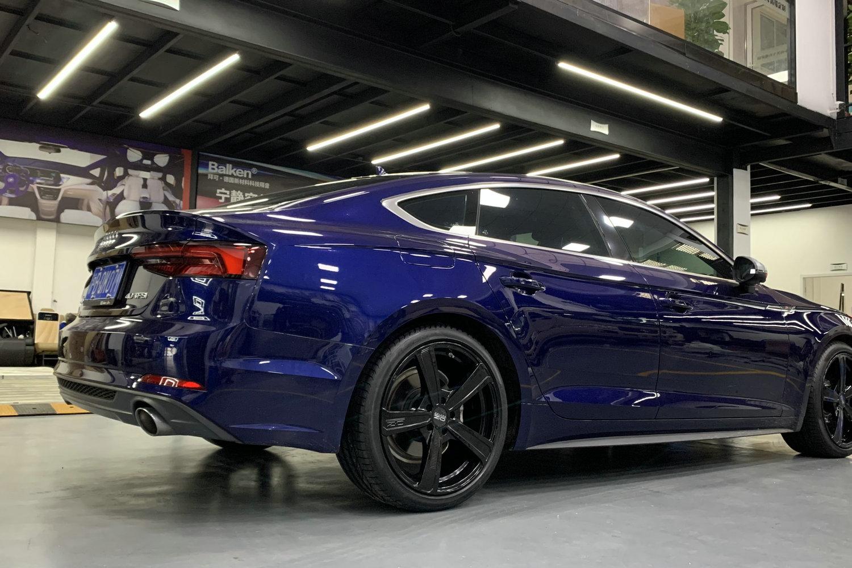 奥迪A5安装OZ轮毂Montecarlo HLT新款奥迪最美车型之一不过分吧